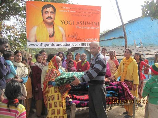 blanket distribution charity dhyan foundation
